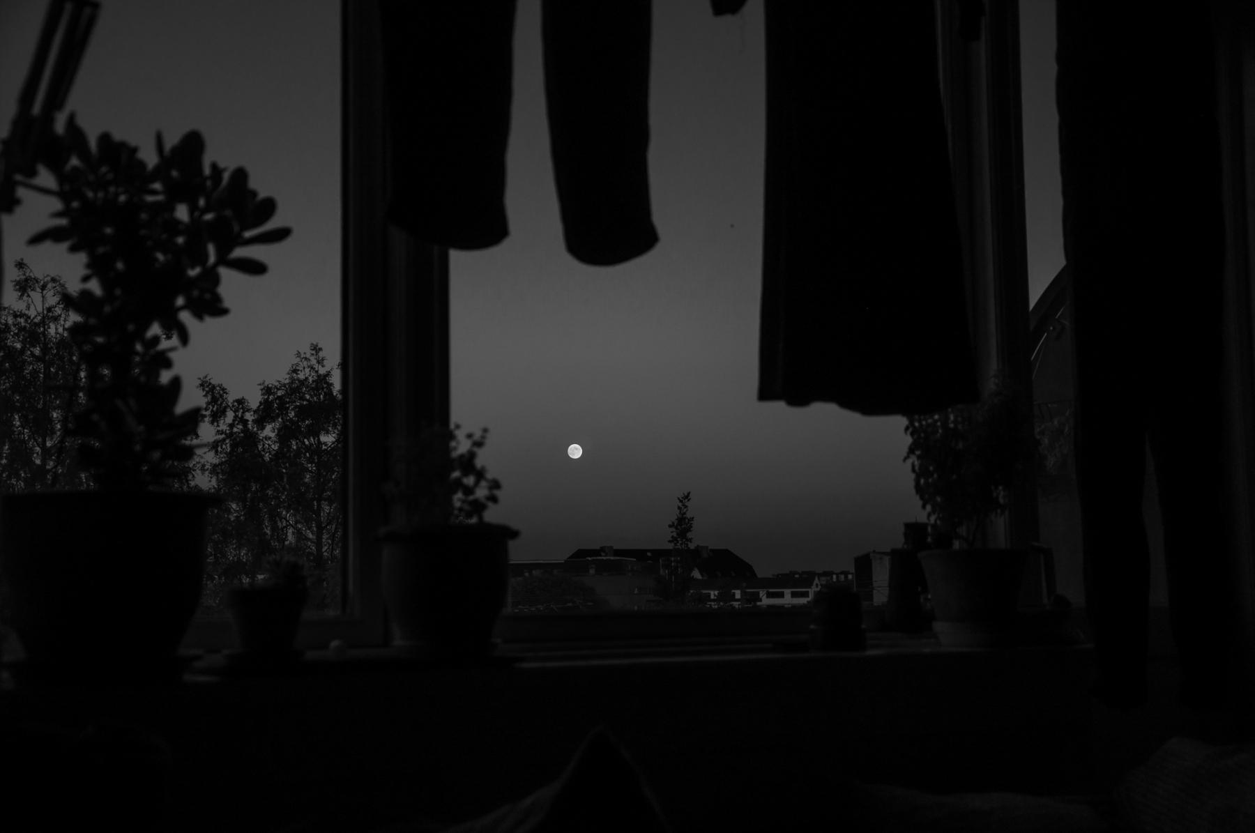 anja-blaksmark-vasketøj-månen